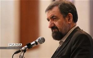 محسن رضایی: برخی افراد که خود را خادم می دانستند، در کنار دشمن قرار گرفته اند