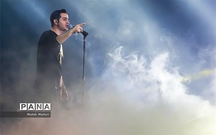 محسن یگانه در رامسر بستری شد/ لغو کنسرتها
