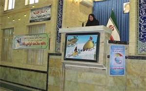 سخنرانی یک زن پیش از خطبههای نماز جمعه خوی +تصویر