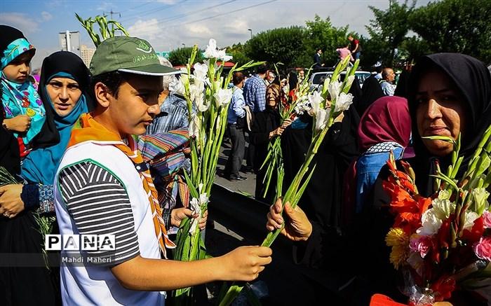 شور دانشآموزی در مصلای تهران