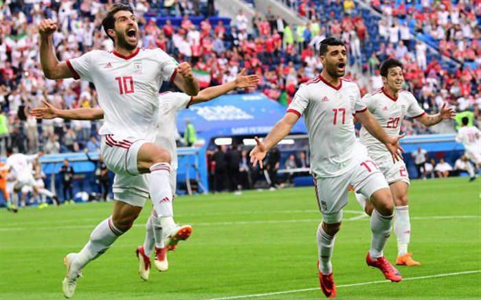 توصیف تحریمها علیه ایران توسط گزارشگر بریتانیا در لحظات پایانی بازی مراکش