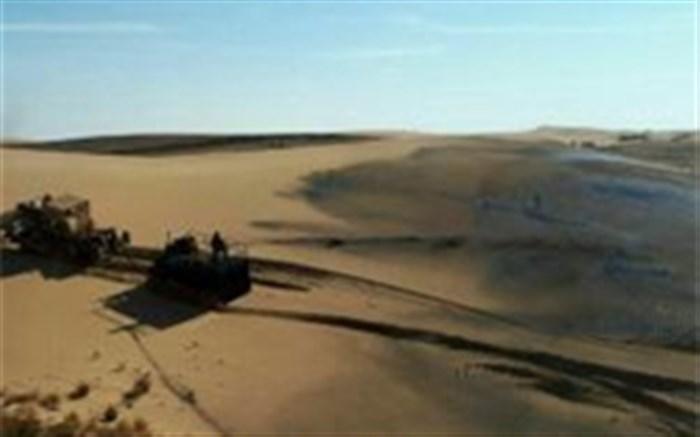 اجرای عملیات مالچ پاشی در بیابان ابوغویر دهلران
