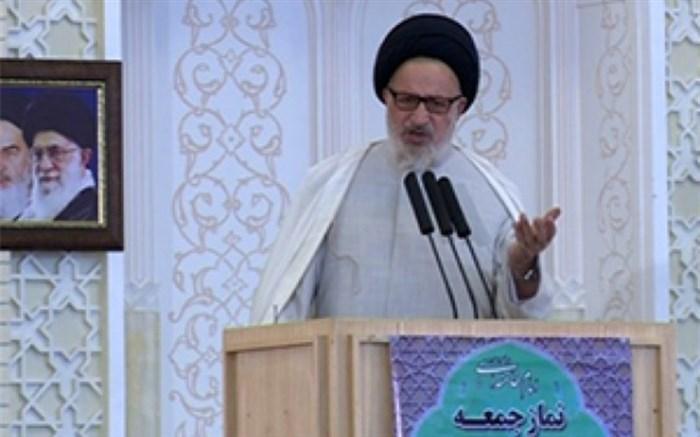 امام جمعه موقت شیراز: مسوولان خودفروخته از مذاکره با آمریکا سخن می گویند