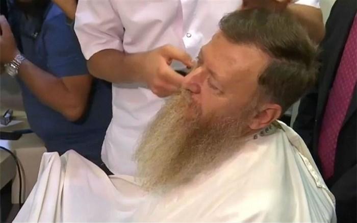 سیاستمدار ترک پس از دو سال ریشش را زد!