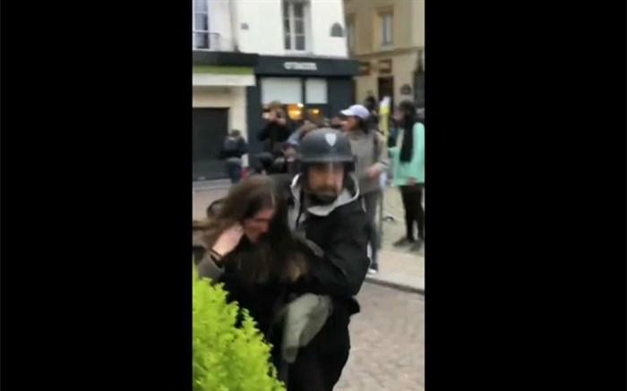 ضرب و شتم یک معترض توسط دستیار امانوئل مکرون!