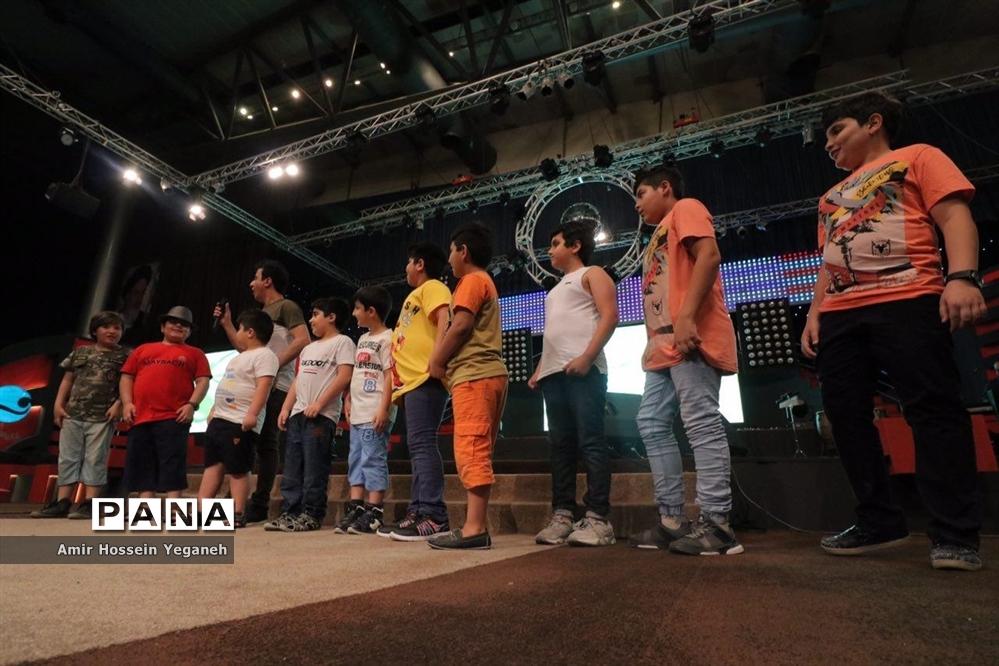 عمو پورنگ در بیست یکمین جشنواره تابستانی کیش